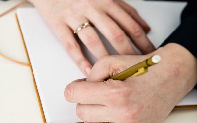 Hoe het schrijven van een brief je helpt om liever te zijn voor jezelf